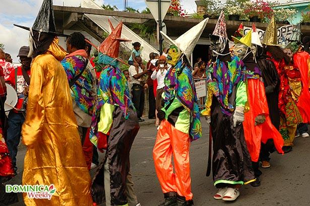 carnaval-aux-antilles-francaises-dominique